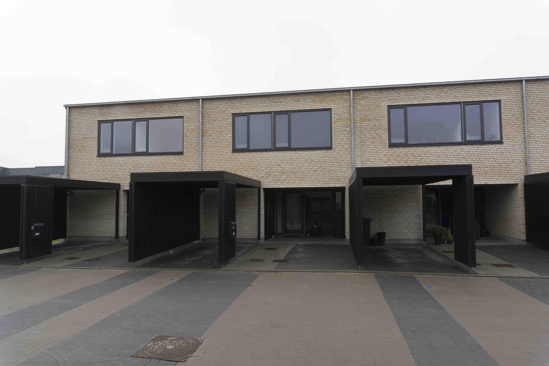Bygning 2 udefra-1